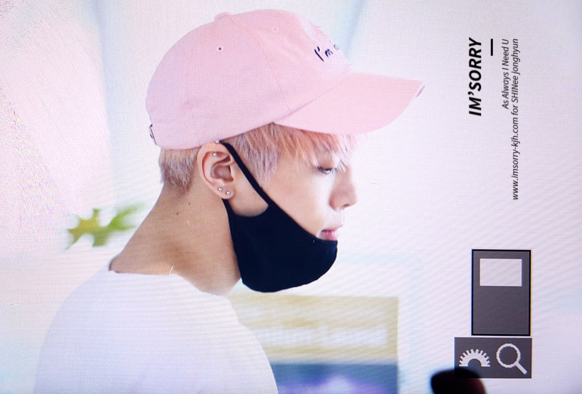 160425 Jonghyun @ Aeropuerto de Incheon {Llegada a Corea} Cg4Bh4PUUAAybZd