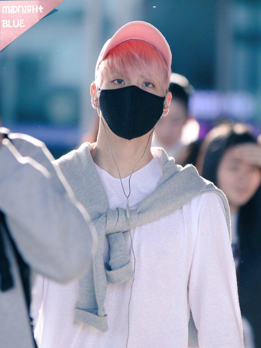 160425 Jonghyun @ Aeropuerto de Incheon {Llegada a Corea} Cg4Ce2nUkAELdv6