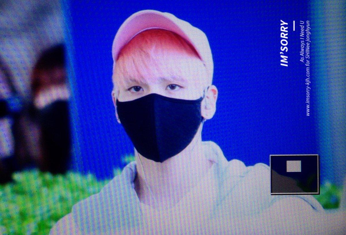 160425 Jonghyun @ Aeropuerto de Incheon {Llegada a Corea} Cg4DbsXU8AEtDdH