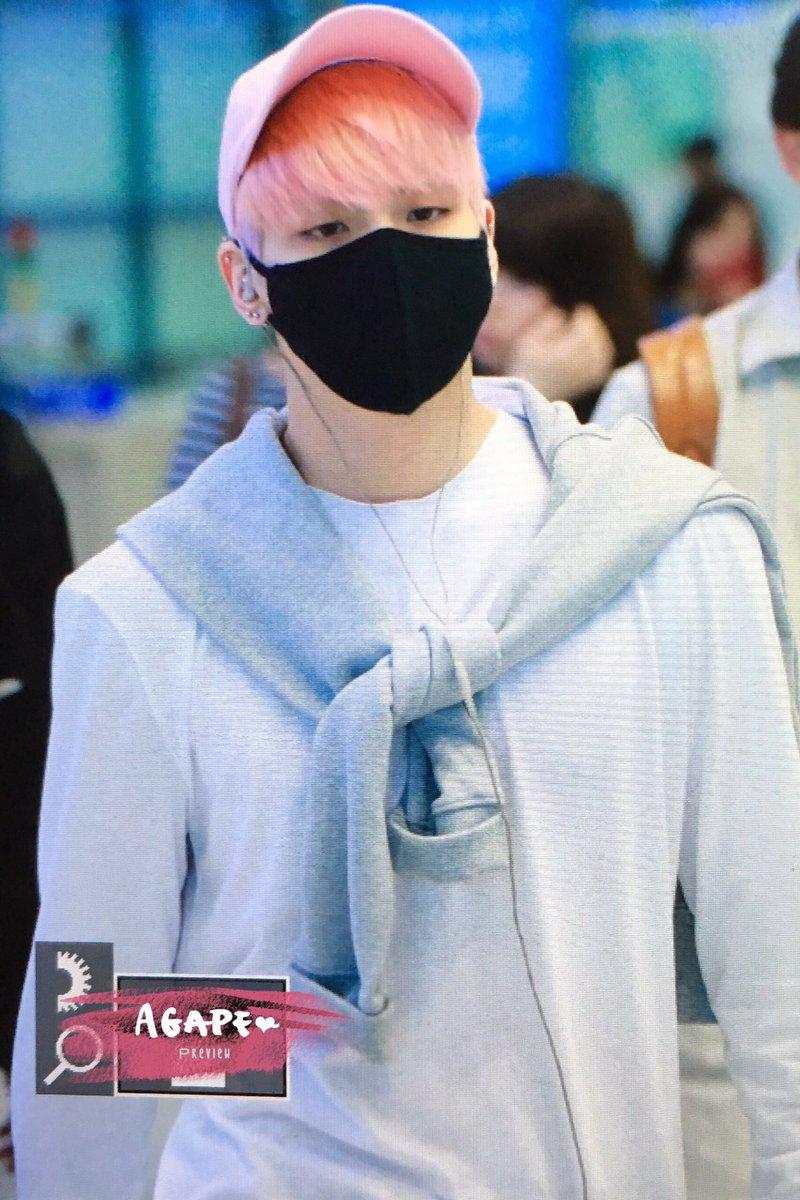 160425 Jonghyun @ Aeropuerto de Incheon {Llegada a Corea} Cg4EERHU4AAtPJ-