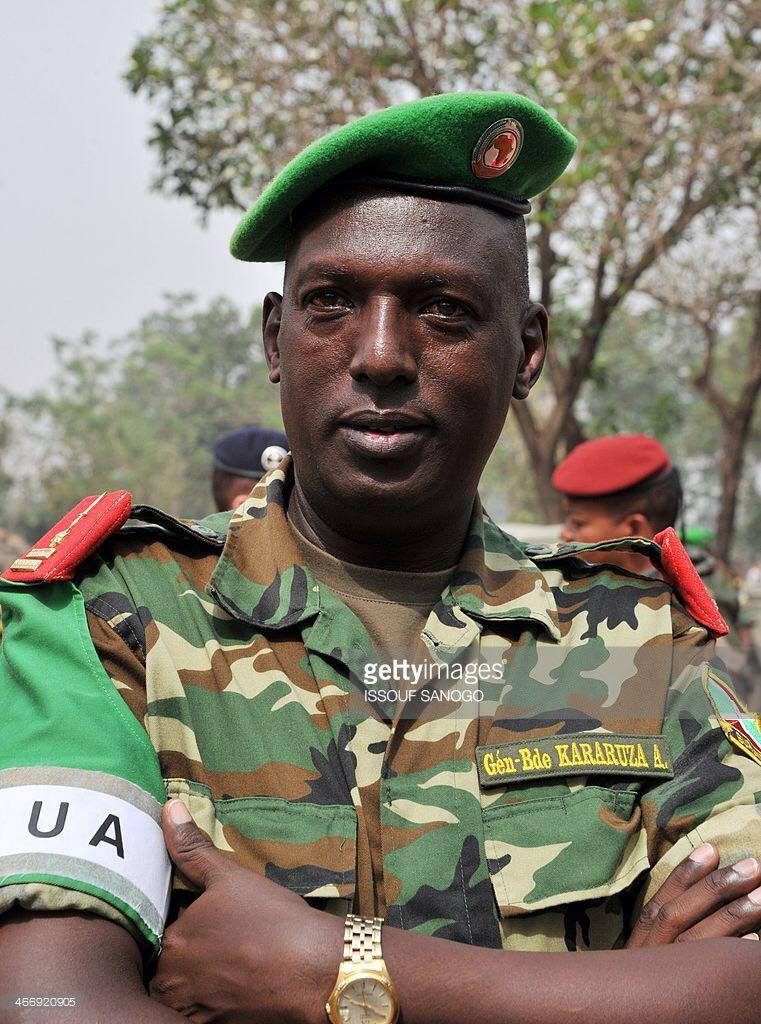 #Burundi: Gnl. Kararuza, Sr Advisor to Nkurunziza's VP, + wife & daughter, shot and killed in Bujumbura this morning https://t.co/RgxnB5q8Y3