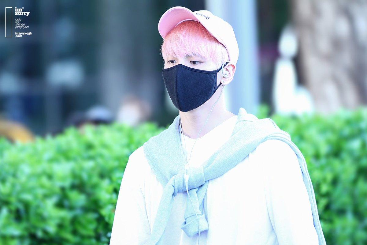 160425 Jonghyun @ Aeropuerto de Incheon {Llegada a Corea} Cg4wOzpU8AIJ1Zj