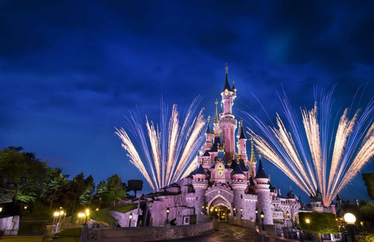 Evening Standard On Twitter Disneyland London What We Know About