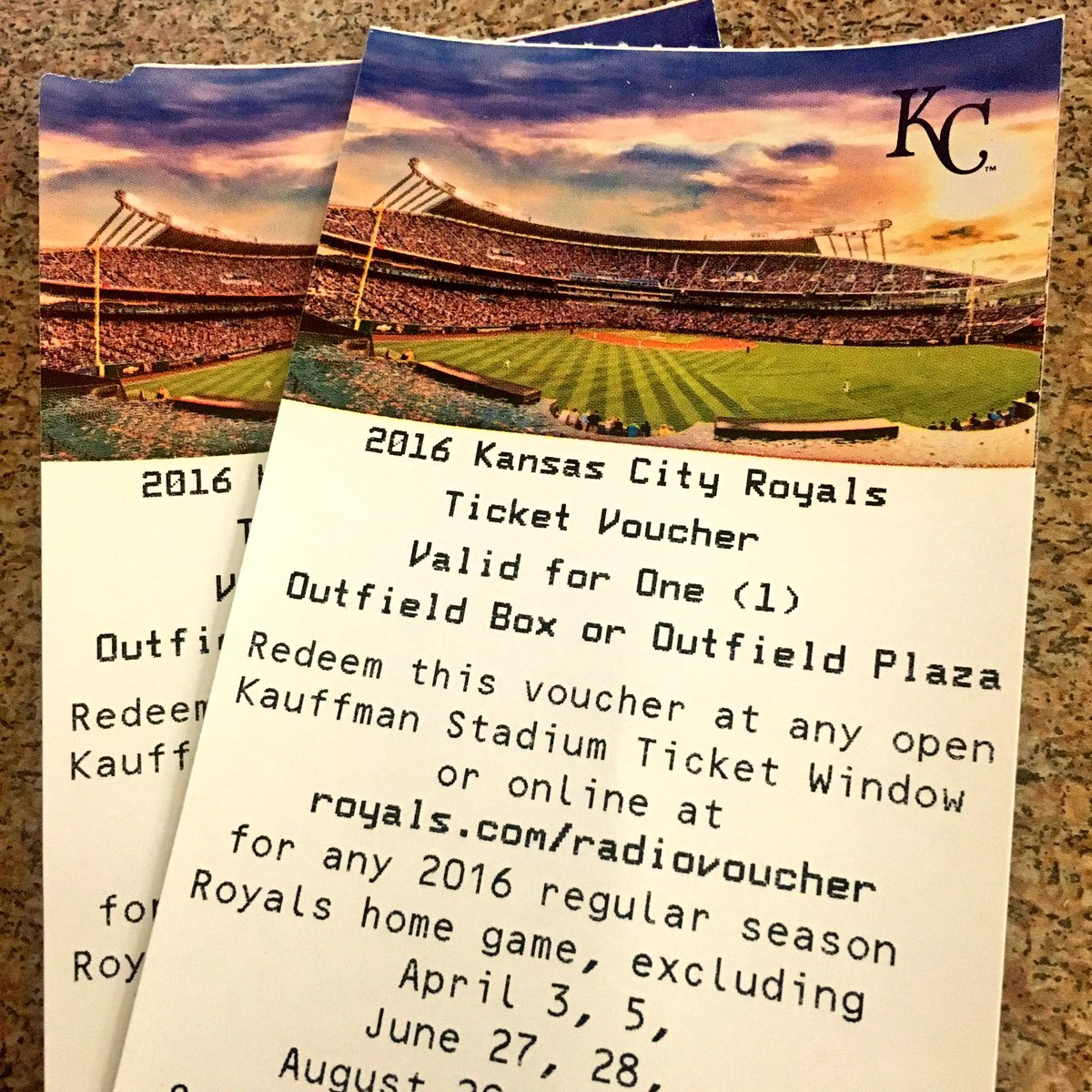 Studying for finals AND dreaming of going to a @Royals game? RT for a chance at free tickets! https://t.co/DYaUR36pIL