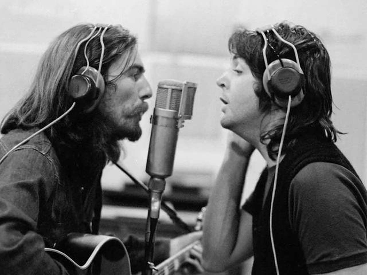 "George Harrison on Twitter: ""George and @PaulMcCartney ... George En Paul"