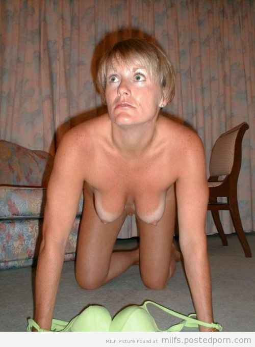 milf nude all fours