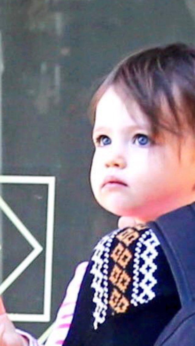 "Wonder Wyatt on Twitter: ""Me 😳 RT @zeeejayee: Her big blue ... Ashton Kutcher And Mila Kunis"