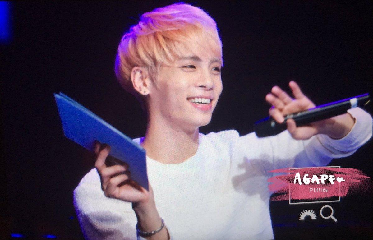 160426 Jonghyun @ MBC Live Concert - Blue Night Cg9-es4W4AAFasz
