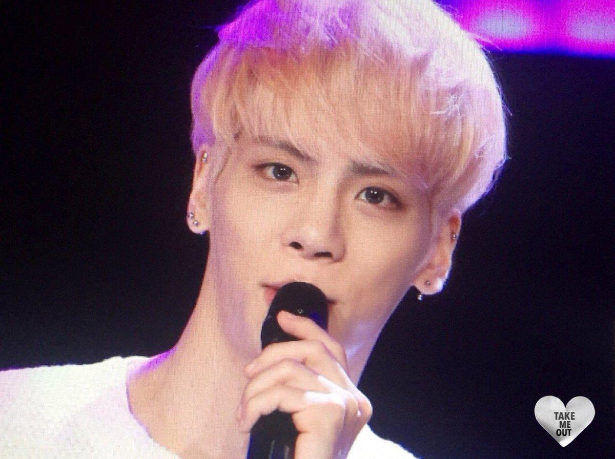 160426 Jonghyun @ MBC Live Concert - Blue Night Cg90uRsW4AAmP-B