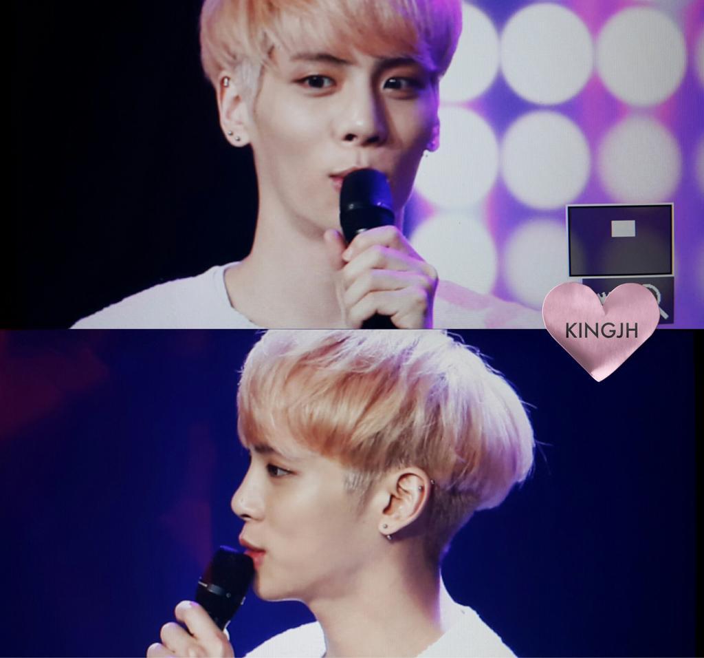 160426 Jonghyun @ MBC Live Concert - Blue Night Cg91gr3W4AADovy