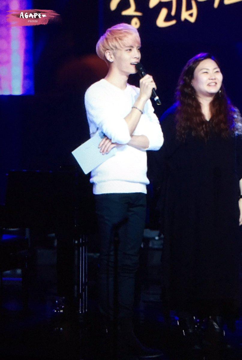 160426 Jonghyun @ MBC Live Concert - Blue Night Cg91rO4W0AA72Rj