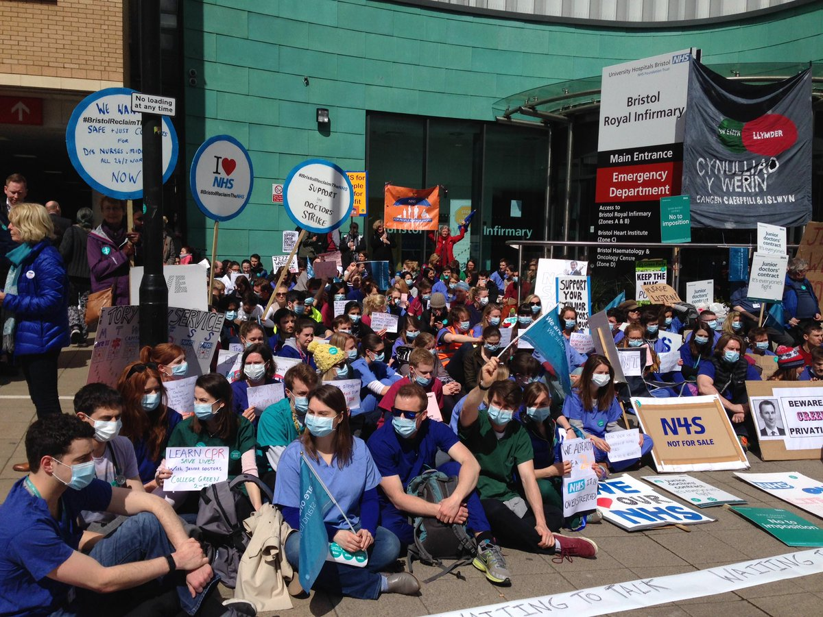 #JuniorDoctorsStrike #juniorcontract @TheBMA sitdown protest outside BRI #bristol for #NHS https://t.co/vvARN5MaqD