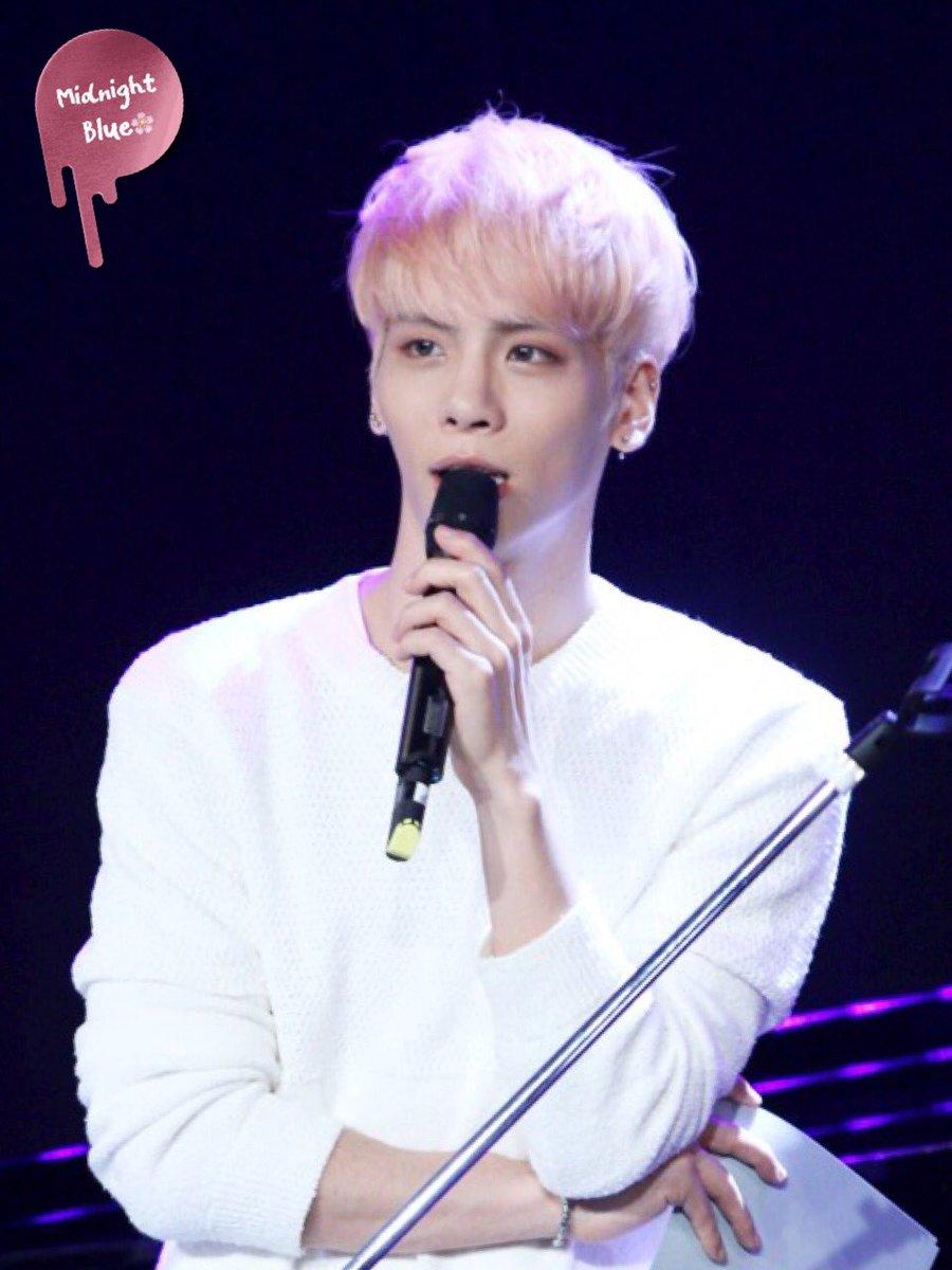 160426 Jonghyun @ MBC Live Concert - Blue Night Cg9xF6dWYAAP3jm