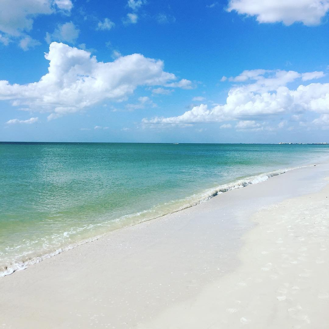 Retweet if you are currently pretending you're at the beach! #LoveFL https://t.co/wK4Nk1BpFH