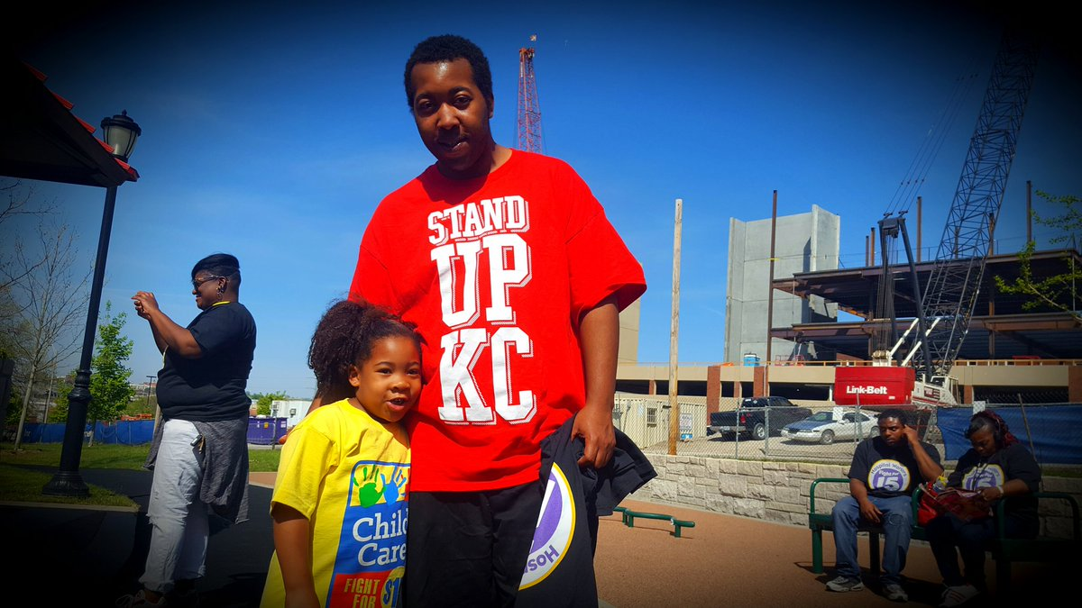 Allen is in #FightFor15 to support his family, including daughter Eliza. Poverty wages are hard on our kids. https://t.co/q9vsbGNUTa