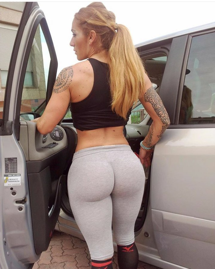 spread pants legs tight Girls yoga in