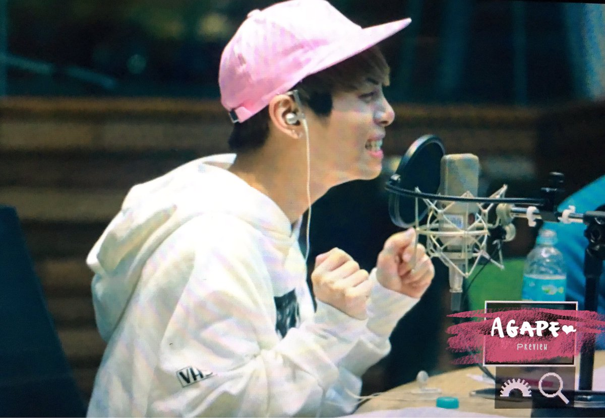 160415 Jonghyun @ MBC Blue Night CgF-qcbUAAAjCBG