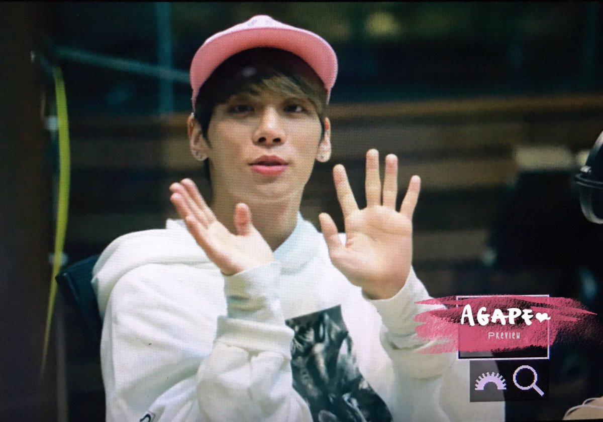 160415 Jonghyun @ MBC Blue Night CgF7zGtUYAAt55n