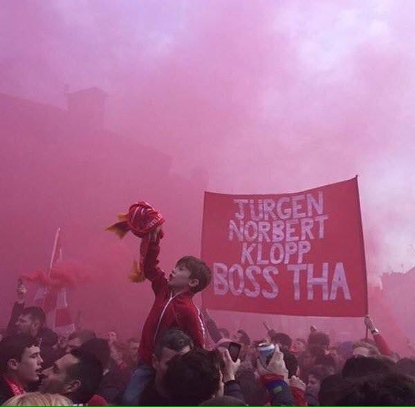 What an incredible image. It looks like a Rembrandt! We love our city, today of all days. #JFT96 https://t.co/c5qqXbrHRJ