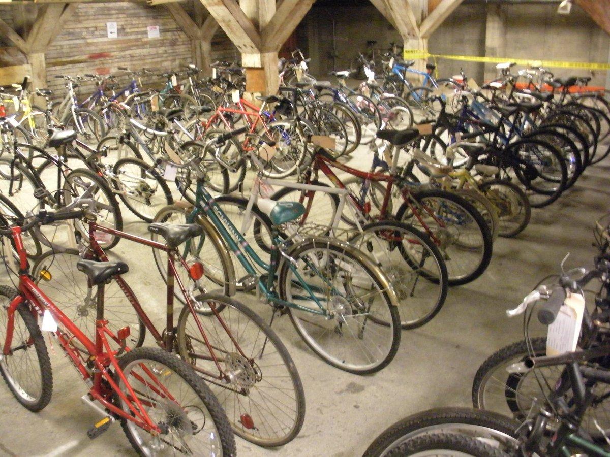UWPD Bike Sale https://t.co/p6RptcAlfC https://t.co/aNlmhPko0G