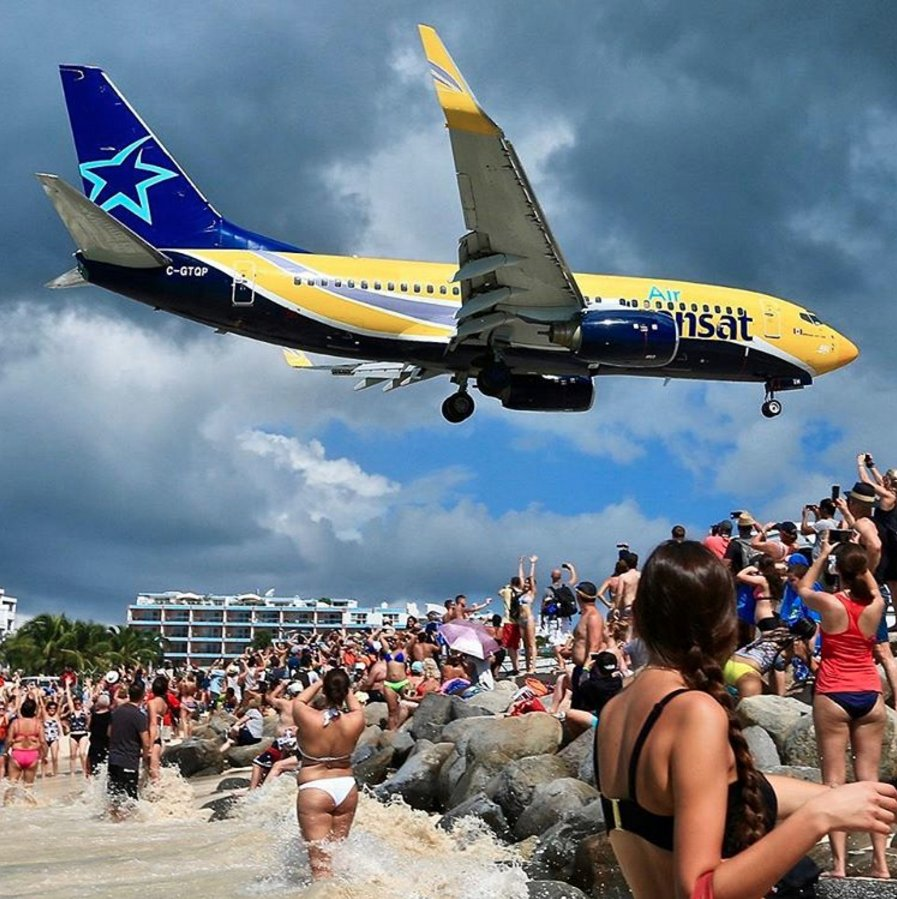 Sxm Airport On Twitter This Plane Sure Knows How To Draw A Crowd