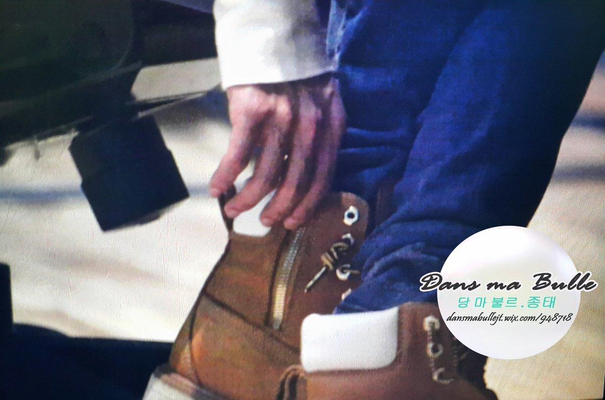 160415 Jonghyun @ MBC Blue Night CgGA8IEUMAAkrlr