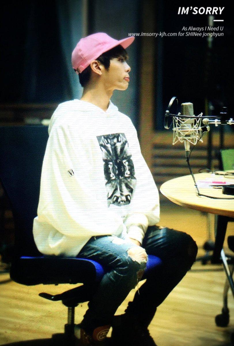 160415 Jonghyun @ MBC Blue Night CgGAcaLUMAAyTBW