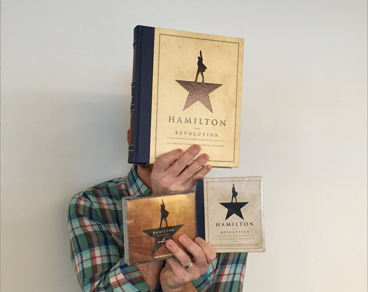 Happy Friday! Retweet this to enter a giveaway for 1 #Hamiltome & 1 @AtlanticRecords soundtrack & 1 @HachetteAudio https://t.co/JISg9f1o9s