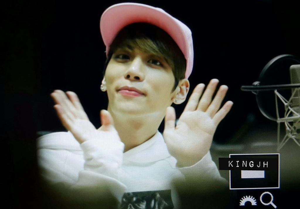160415 Jonghyun @ MBC Blue Night CgGDvofVAAAK_yZ