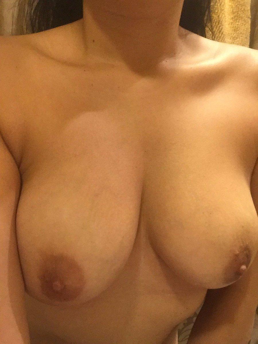 Nude Selfie 4906