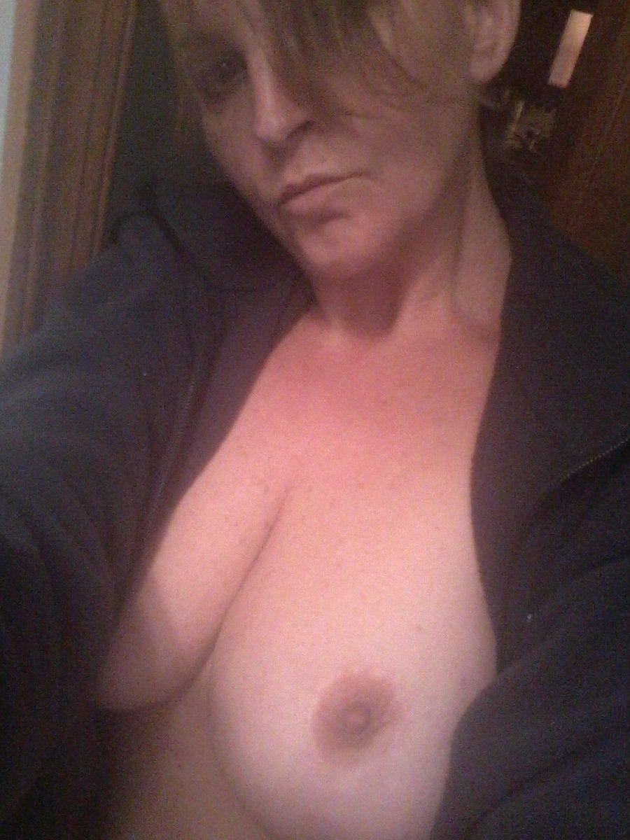 Nude Selfie 4912