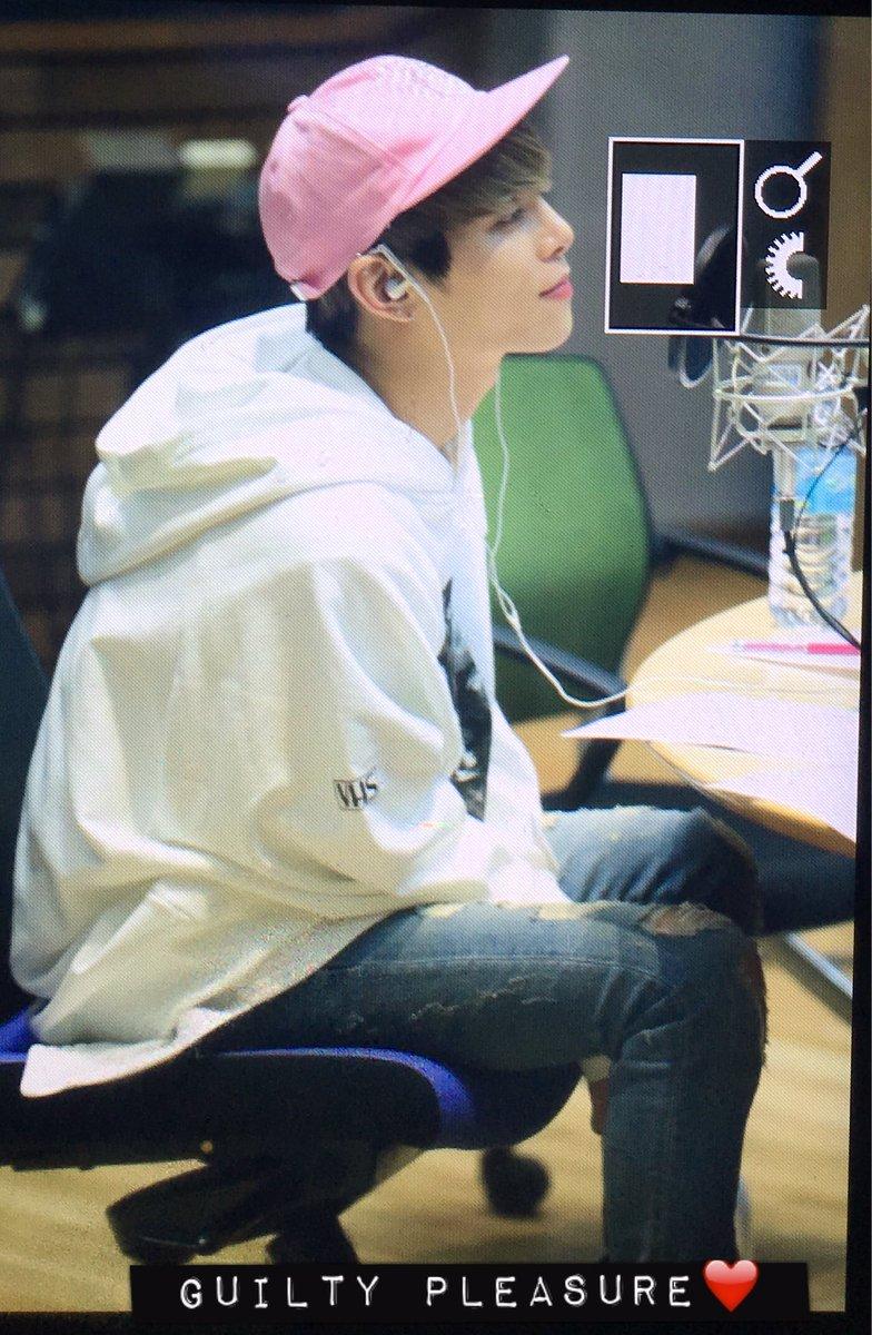 160415 Jonghyun @ MBC Blue Night CgGFfH1UsAED8Qn