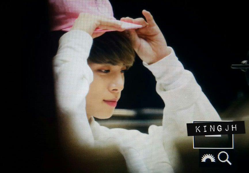 160415 Jonghyun @ MBC Blue Night CgGGzT_VAAEM2HX