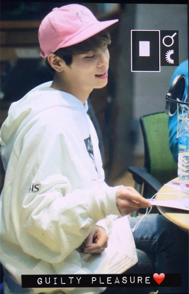160415 Jonghyun @ MBC Blue Night CgGHc3IUYAIxUBJ