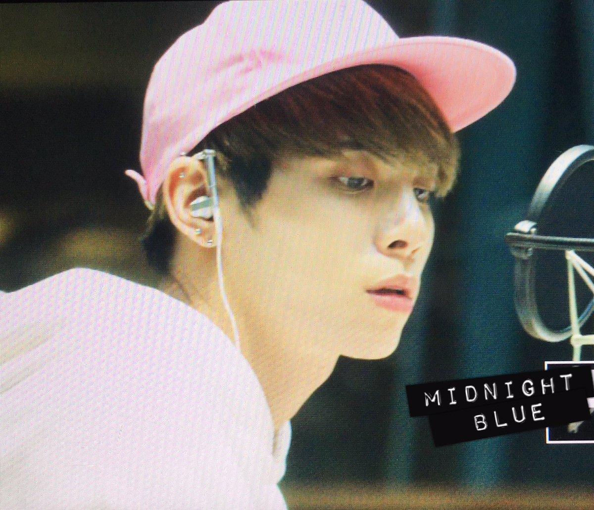 160415 Jonghyun @ MBC Blue Night CgGKULUVIAAVG0U