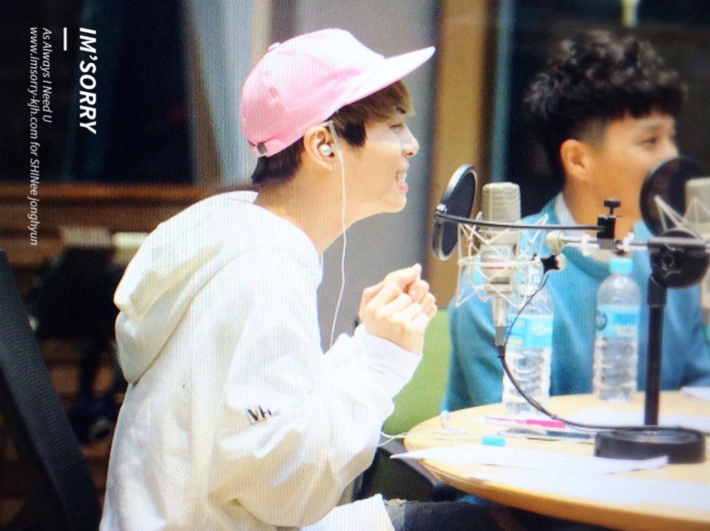 160415 Jonghyun @ MBC Blue Night CgGKeQ5UkAEHF82