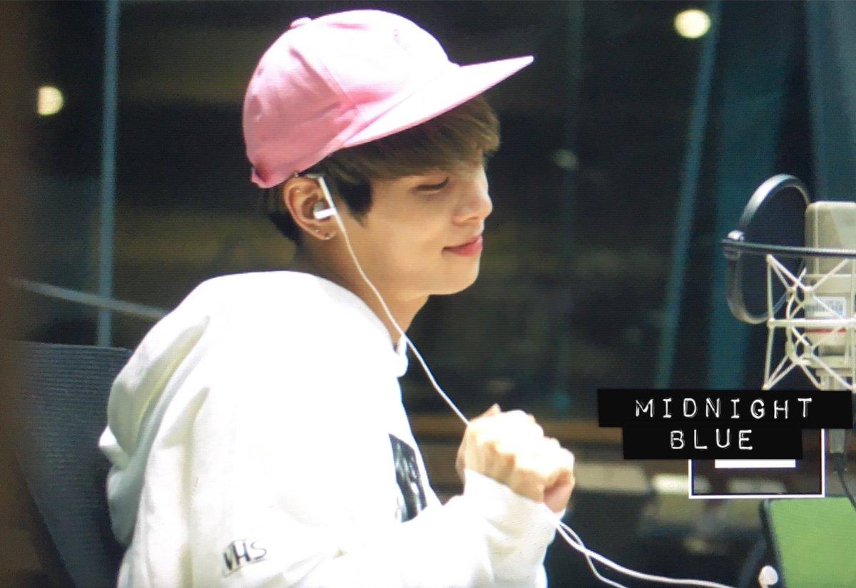 160415 Jonghyun @ MBC Blue Night CgGPmpDVAAA7UaX