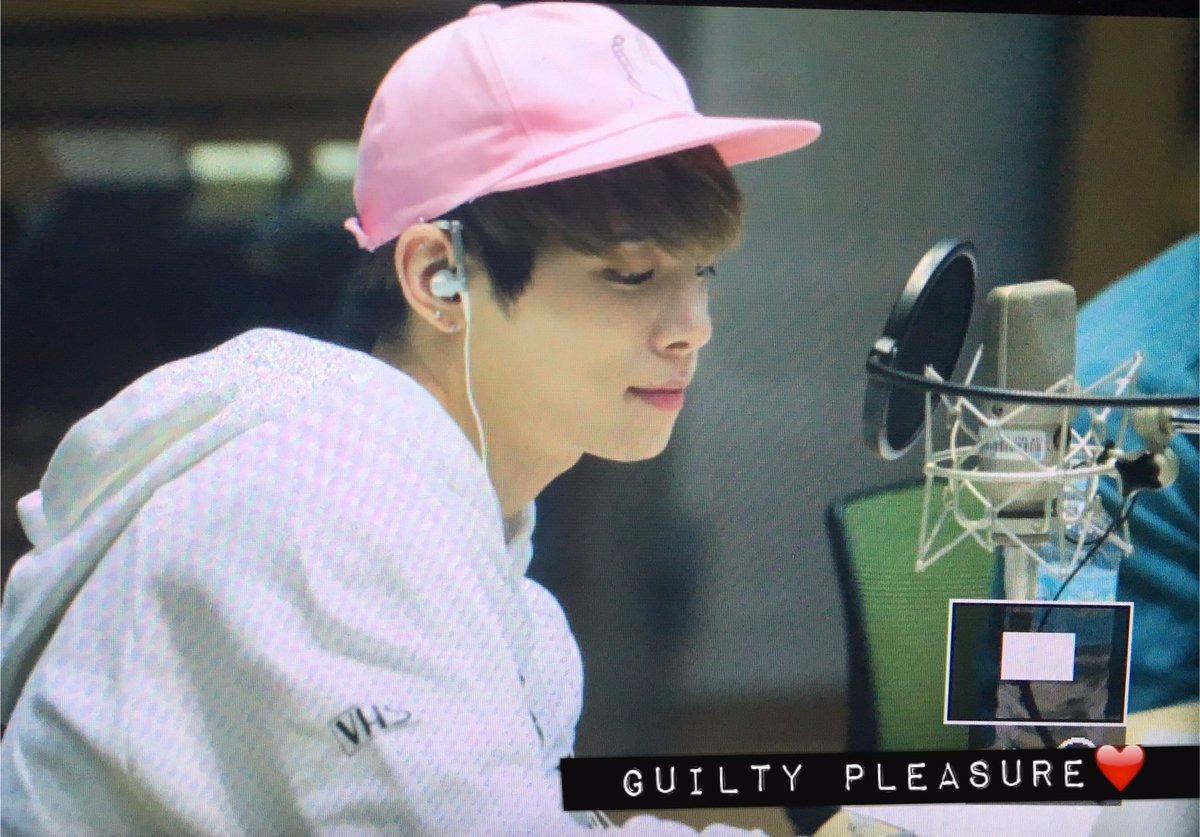 160415 Jonghyun @ MBC Blue Night CgGQNArVIAAHGOT