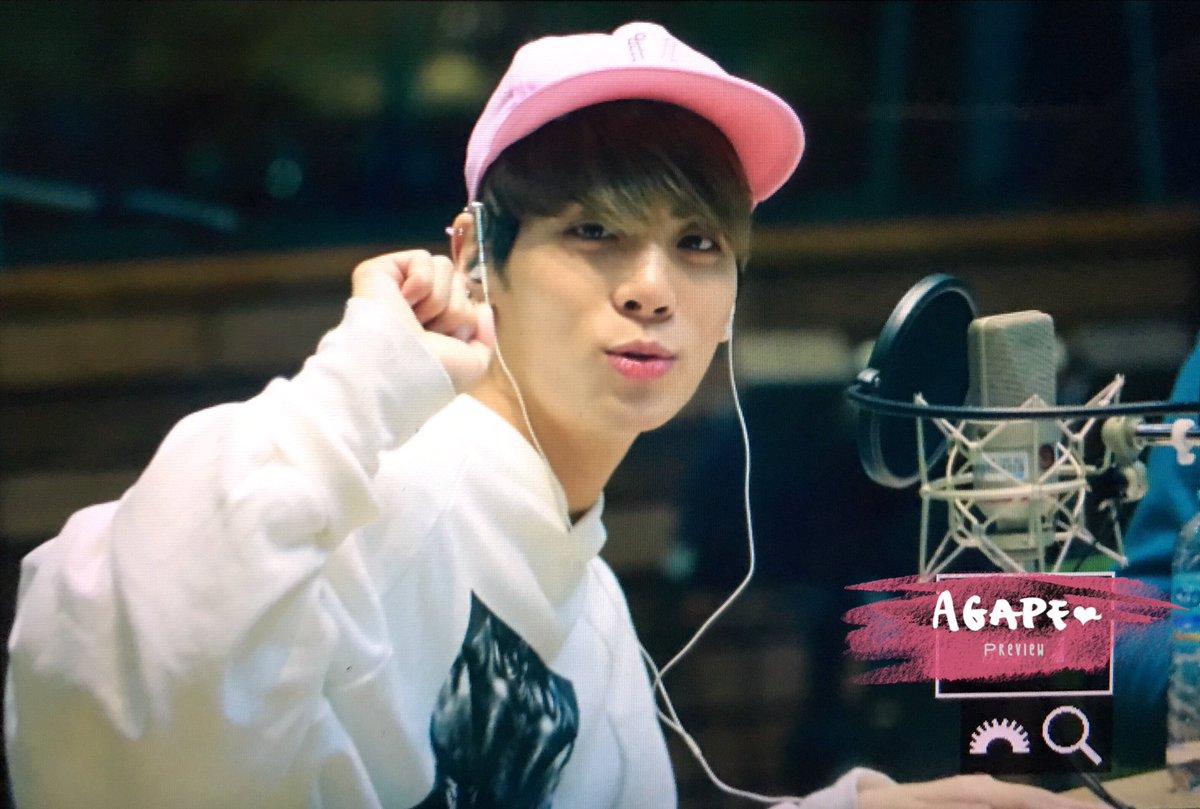 160415 Jonghyun @ MBC Blue Night CgGRByUVAAA_YhF