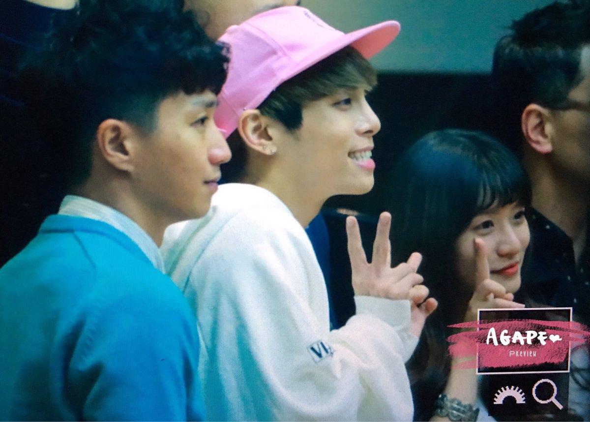 160415 Jonghyun @ MBC Blue Night CgGWBG7UMAAMpfL