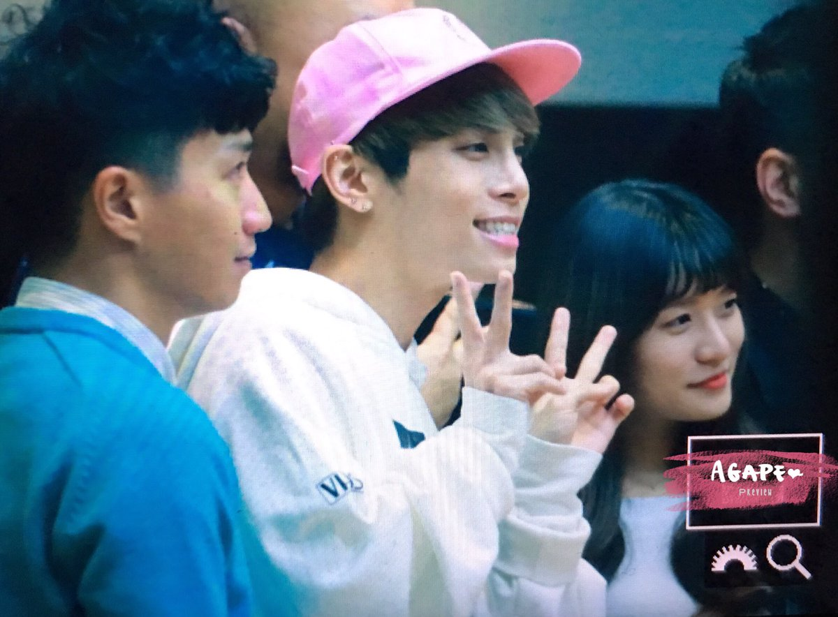 160415 Jonghyun @ MBC Blue Night CgGWBG7UYAAJlS3