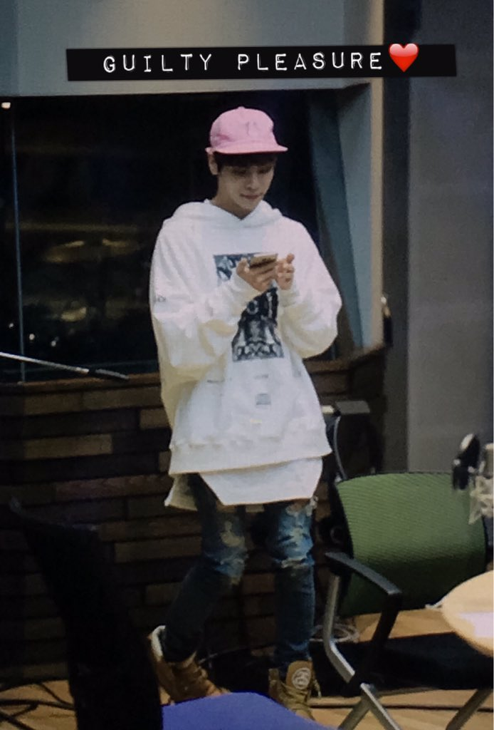 160415 Jonghyun @ MBC Blue Night CgGXAdfUMAAGnSs
