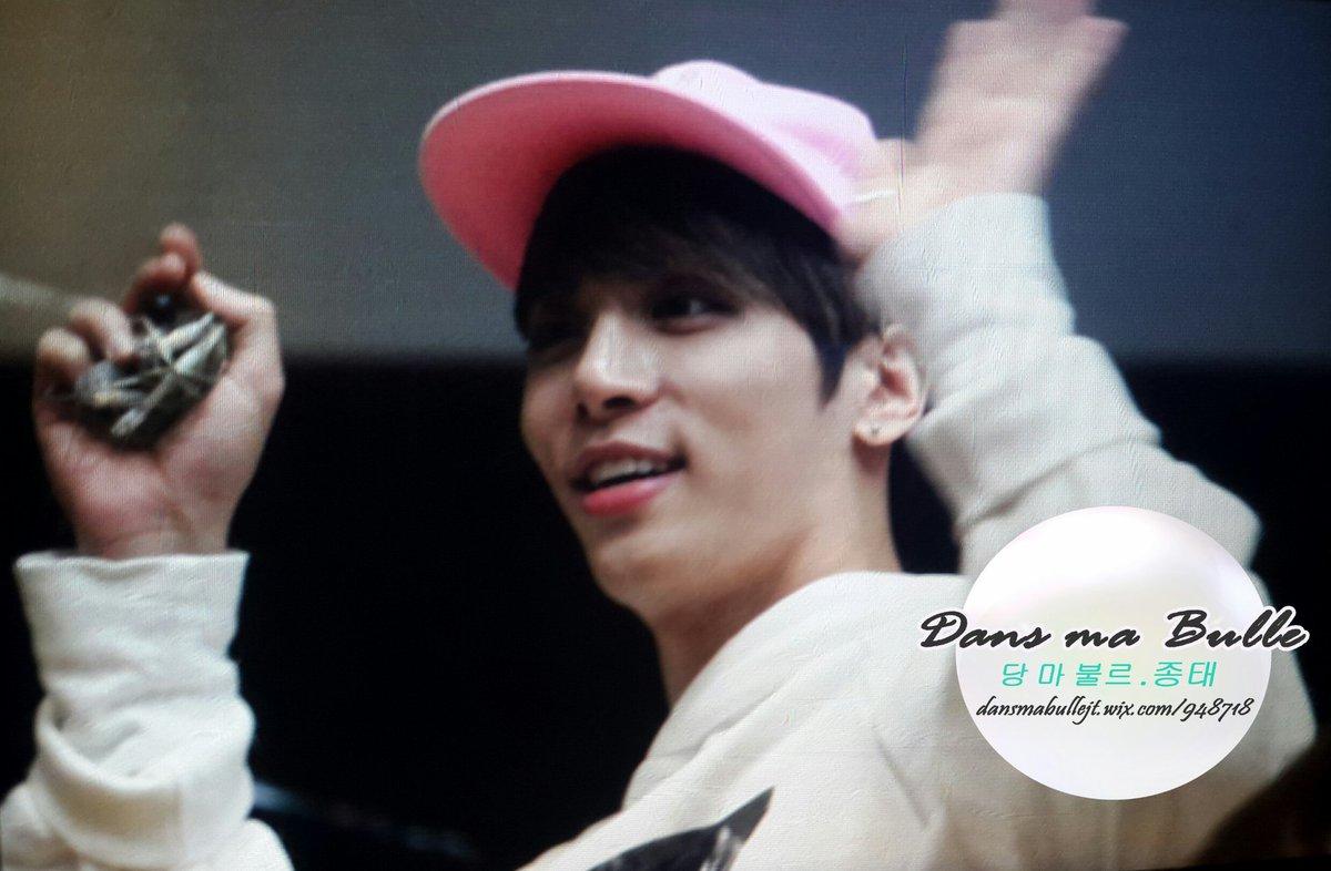 160415 Jonghyun @ MBC Blue Night CgGZA7SUIAQQ_3x