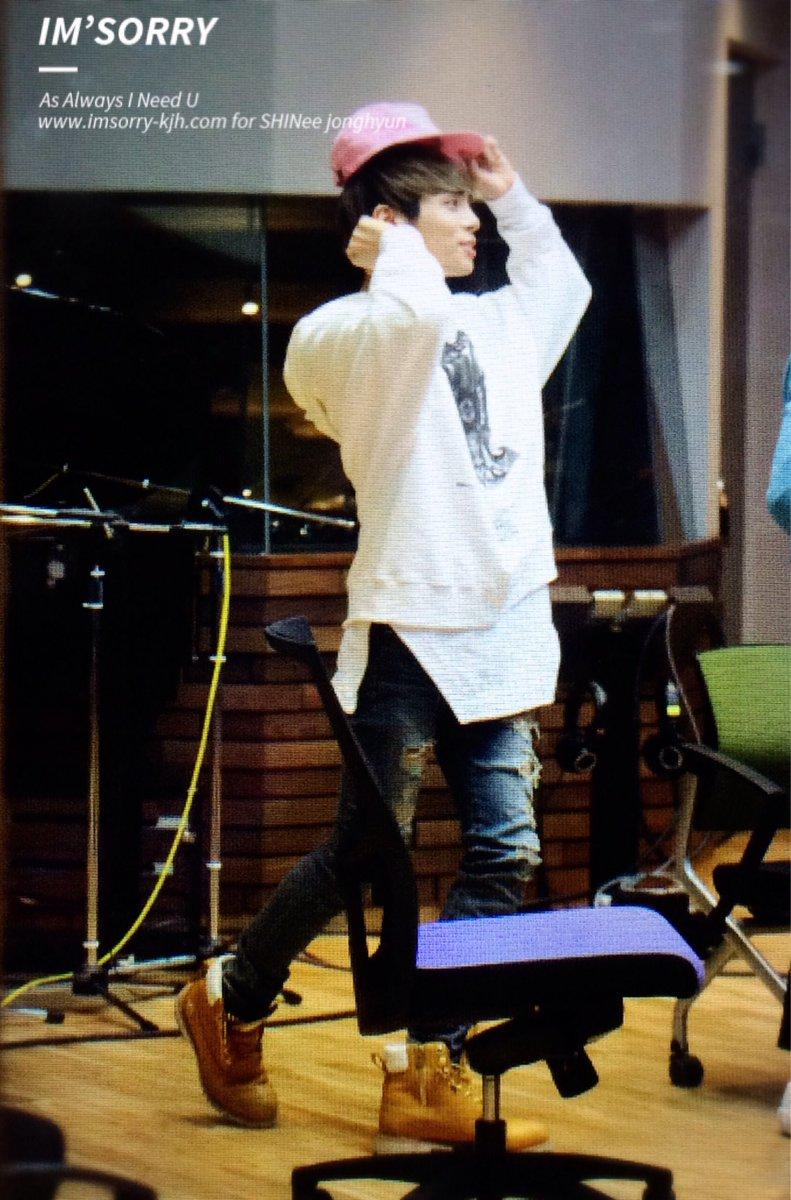 160415 Jonghyun @ MBC Blue Night CgGcZaJUYAEzN0g