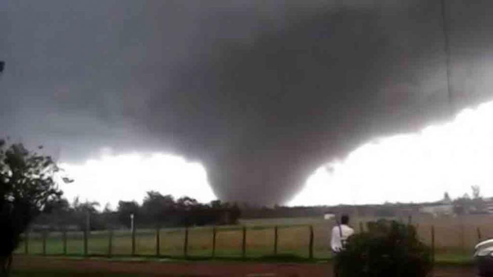Alluvione in Uruguay (Video): 12 mila evacuati per il Tornado