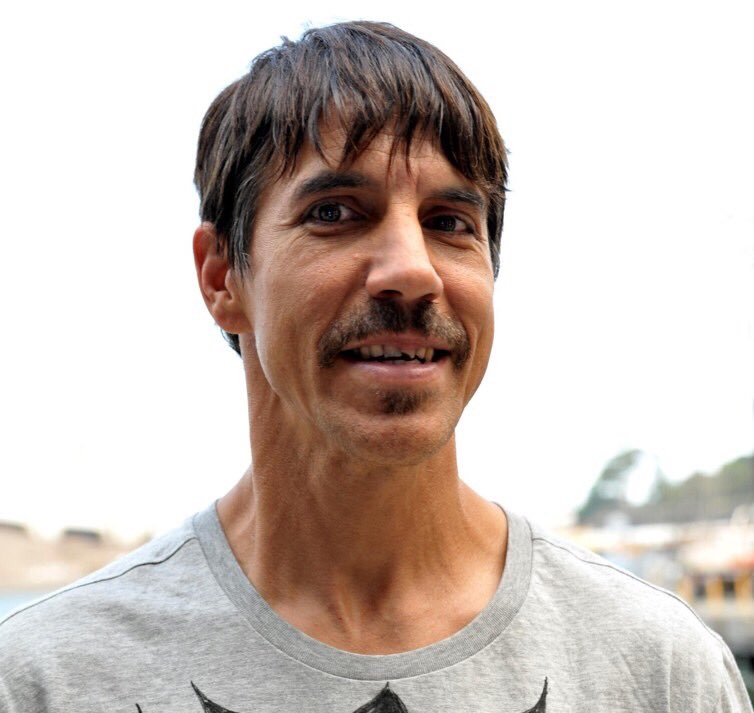 """Anthony Kiedis is basically Uncle Rico now. https://t.co ..."