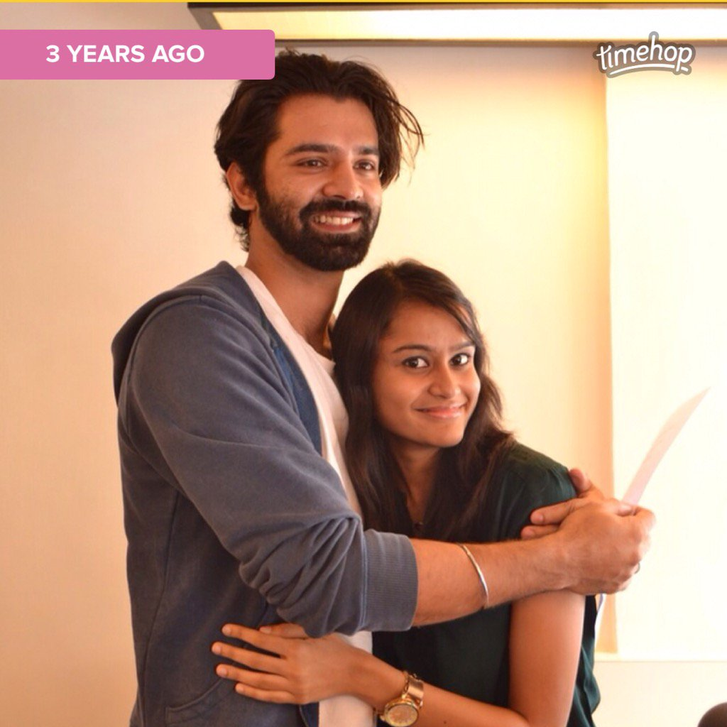 This happened exactly before 3 years on this day! #BarunSobti #sobtians #hug https://t.co/sSDFXfxqeC