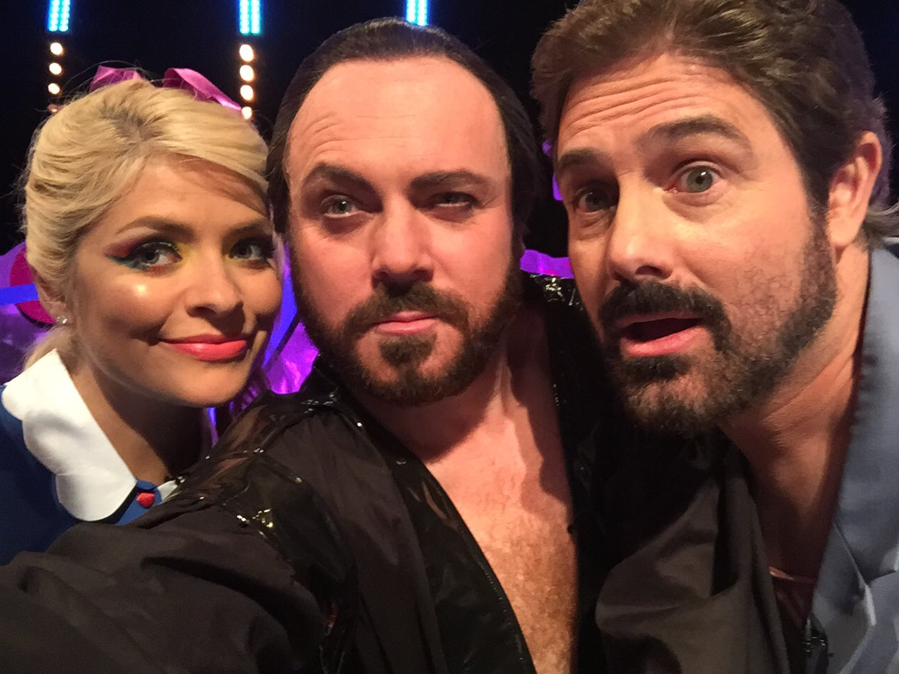 Holly, General zod, Billy from Gremlins! Top bloke! Fanks for coming on @zwgman https://t.co/TGEnc7uicU