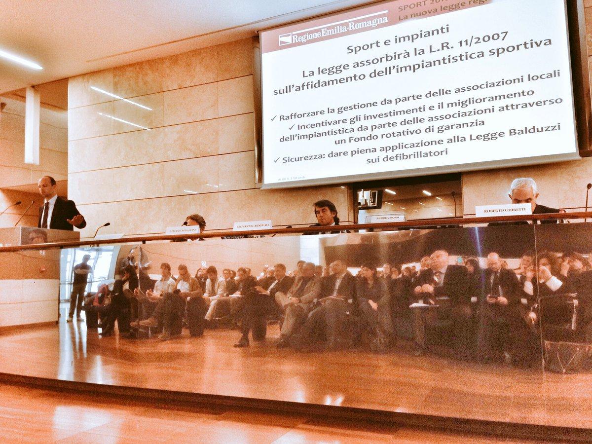 """.@andrearossi76: """"dopo la famiglia e la scuola, lo #sport è la terza agenzia educativa del nostro Paese""""  #sportER https://t.co/GH7ZOZfJLA"""