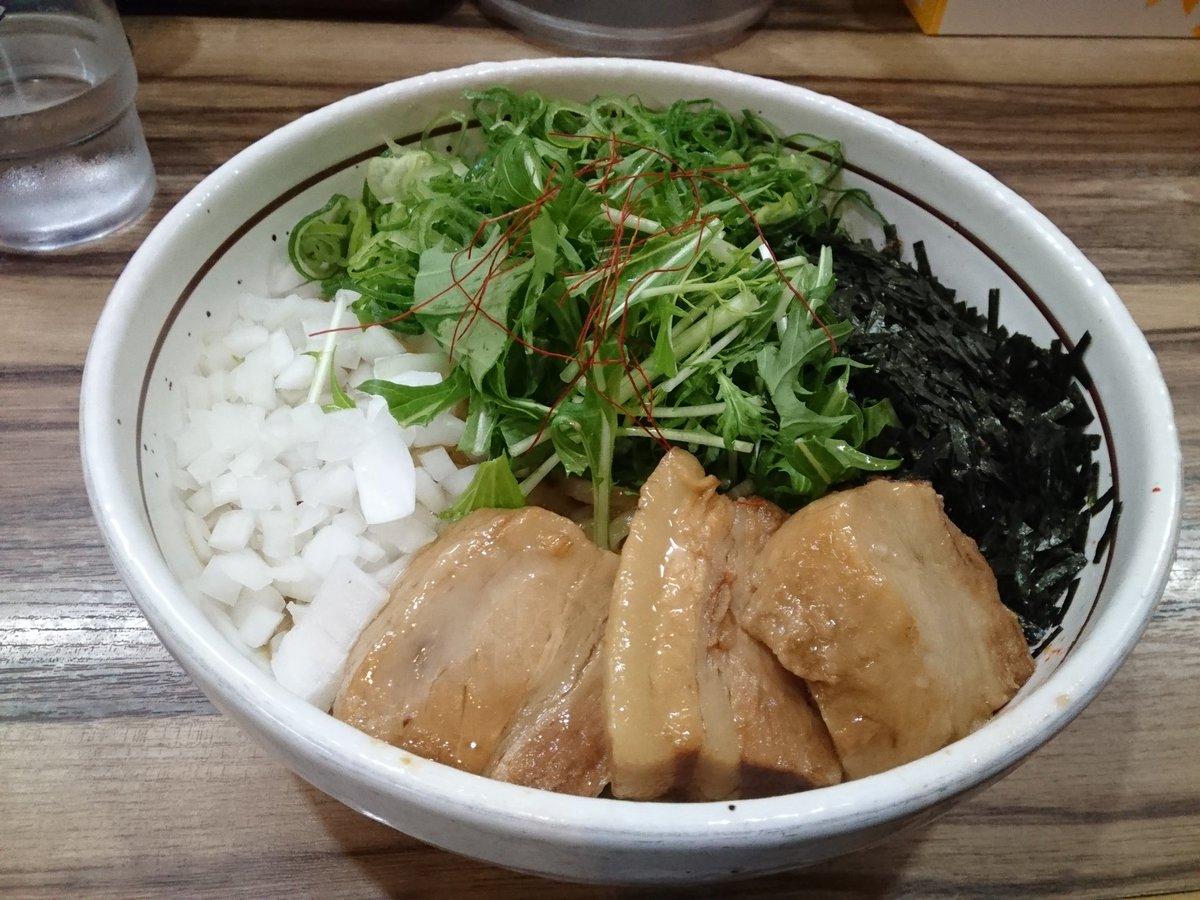 初挑戦 台湾人が東京で名古屋名物の台湾混ぜそばを食べる https://t.co/9tt7jRp1q1